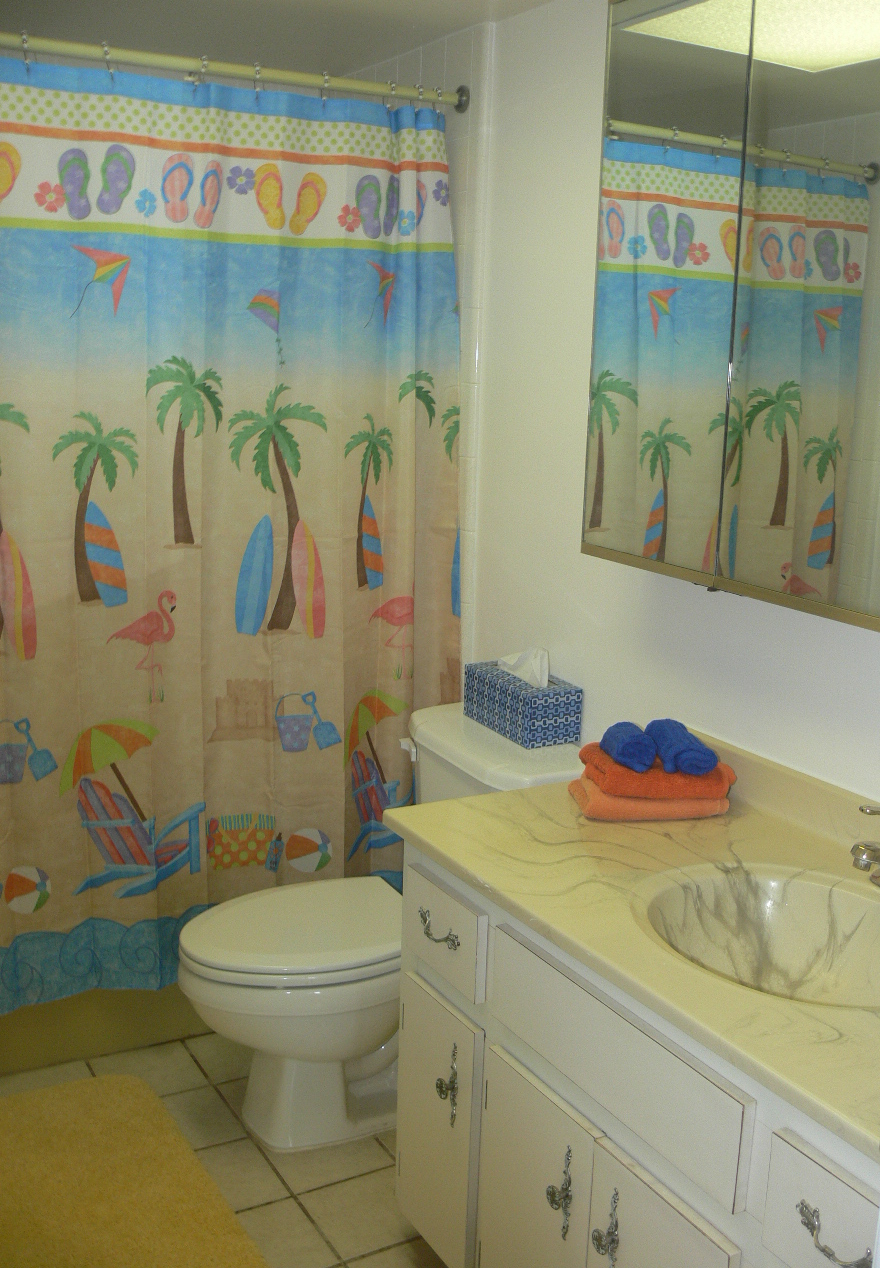 Join us for a virtual tour of 406 at the mark for Megan u bathroom tour
